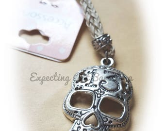 Skull Keychain, keychain for him. Moving, new floor. Number 13.