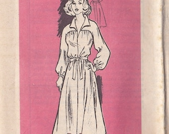 ON SALE 1960's Sewing Pattern - Mail Order Pattern No 4777 of  Short, Long Sleeved Dress  Size 8 complete Bust 31 1/2 inch