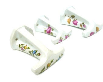 French Vintage Ceramic Hooks Set Of 3, French Bathroom Decor, Ceramic Towel  Hooks, Pilivite Porcelain Hooks