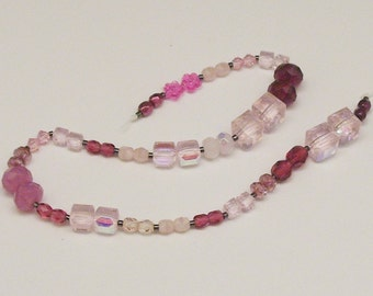 25 Pairs of Assorted Pink Beads // Accent Beads // Pink Destash Bead Mix