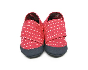 Baby Girl Shoes, Soft Sole Baby Shoes, Pink Baby Shoes, Baby Booties, Infant Slippers, Fabric Baby Shoes, Baby Moccasins, Crib Shoes,  6-12M