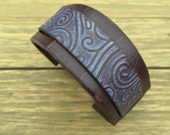 M/L | Distressed Pink Wind Leather Cuff Bracelet
