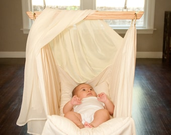 Organic Baby Hammock by Lunalay (0-8 months) hardware includes  : (hammock screen not included)