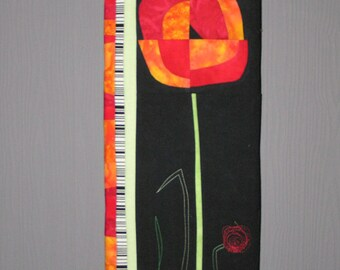 Painting flower patchwork on wooden frame