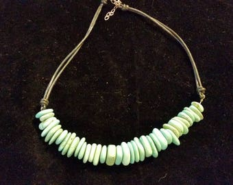 Disc Malachite Bead & Leather look necklace