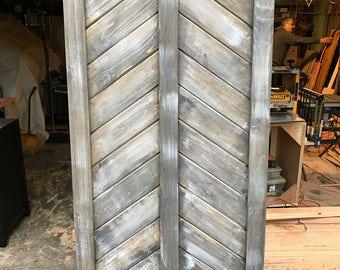 Barn door in driftwood gray