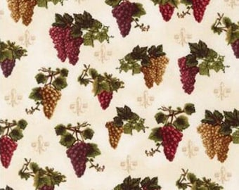 One (1) Yard- Vineyard Collection Grape Clusters by Robert Kaufman Fabrics AEQ-15976-15 Ivory