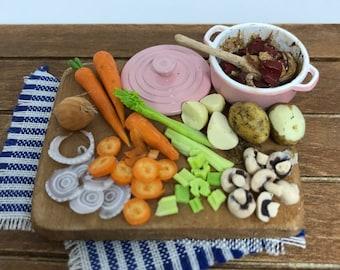 1/12 scale dollshouse miniature beef casserole preparation board,
