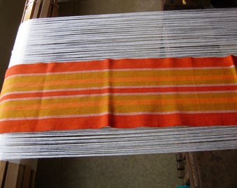 Table runner red striped from half linen (40 Baumwolleund 60% linen)
