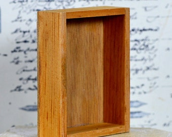 your blank canvas...   vintage wooden box...   T 13