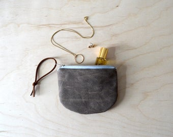 Waxed Canvas Pouch in Brown