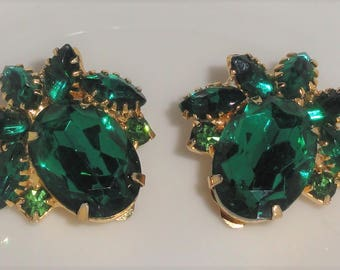 Vintage Gold Tone Shades Of GREEN Prong Set Rhinestone Clip Back Earrings