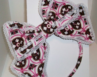 kawaii pink and brown modern Japanese lolita hair bow lace trimmed; right side.