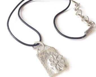 Sterling  Silver Flower Tablet  Pendant Leather Necklace