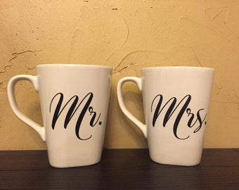 Mr. & Mrs. Coffee mugs, mugs, personalized, wedding gift, bridal shower, gift
