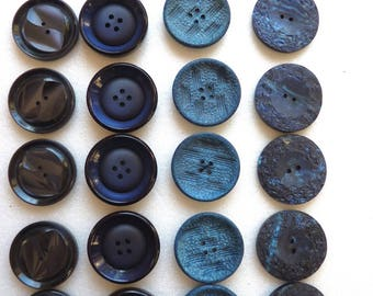 Different batches of 5 or 6 large buttons vintage plastic blue 28 mm by 31 mm diameter, 2 and 4 holes.