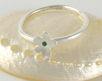 Emerald Stacking Ring Emerald Jewelry May Birthstone, Sterling Silver Tiny Flower Ring Green Dainty Ring, Silver Stackable Ring Stacked Ring
