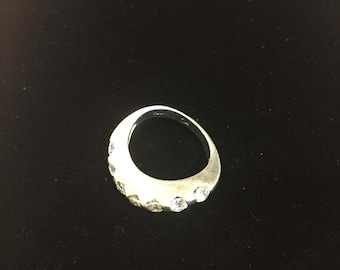 Sterling silver twisty ring with CZ, size 6.5, weight  5.1 grams