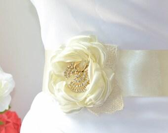 Ivory Floral Bridal Sash - Ivory Floral Wedding Sash - Ivory Flower Sash - Ivory Floral Bridal Sash - Bridal Sash Applique