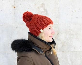 Women's winter hat / Chunky beanie / Pom pom beanie / Knitted ski hat / Knit beanie