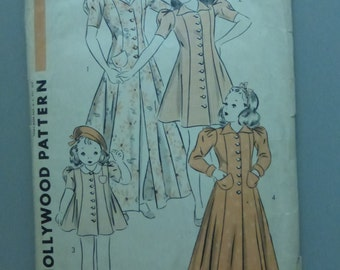 Antique Hollywood Pattern 1383 Child's Coat Frock Beach Coat or Robe Size 12