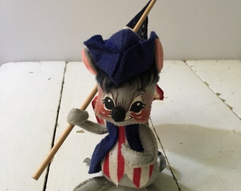 Ana Lee patriotic mouse 1971 with flag Fourth of July