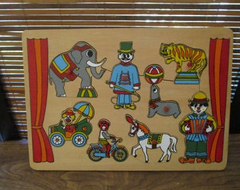 Childrens Circus Wooden Shapes Peg Puzzle Find the Shape Jigsaw Puzzle Game
