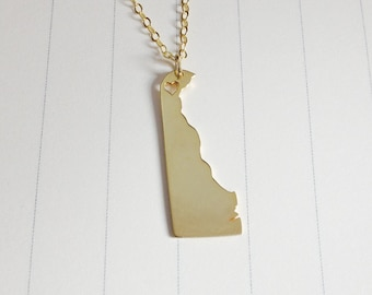 Gold Delaware State Necklace,DE State Necklace,Delaware State Charm Necklace,State Shaped Necklace  With A Heart