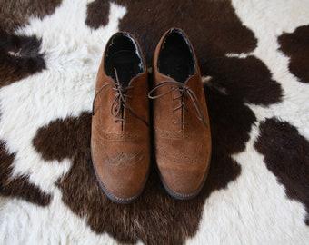 Suede Oxfords Size 8 // Vintage Hush Puppies Brown Tan Lace Up Brogue Flats Basic Minimalist Dress Shoes Size 8 / 8.5 // EU 37