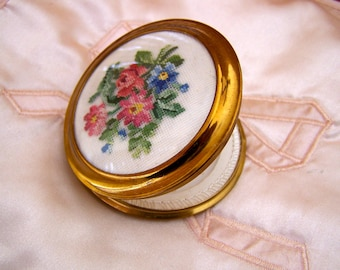 "Vintage 50's ""MASCOT COMPACT""  in an Needlepoint  Floral Bouquet  Made in Austria Original Box & Label"