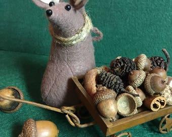 Felt Mouse with wagon full of acorns  Autumn decoration  Thanksgiving decoration