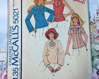 1976 McCalls Blouse Pattern 5021 with Neckline snd Sleeve Variations.
