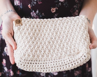 Crochet Star Pouch--Cream
