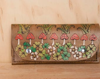iPhone Wristlet Wallet - Womens Leather Wallet with Mushrooms and Shamrocks - Ronja Pattern in Antique Brown - Fits iPhone 6 7 8 10 +