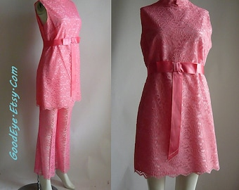 Vintage SHEER Lace BELL Bottoms 60s Mini Dress 2pc Suit / size  4 6 8 Small Petite / Peach Pink Pantsuit USA 1960s Vicky
