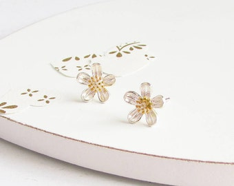 Sterling Silver Marguerite Flower Stud Earrings - Sterling Silver, Flower Post Earrings, Small Stud Earrings, Dainty Earrings
