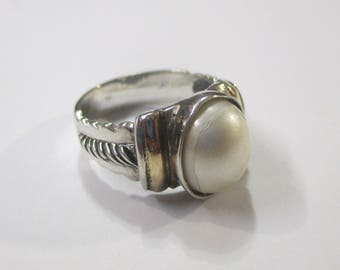 18K Gold accents 950 FINE STERLING SILVER ring with a pearl center stone~(size 8)