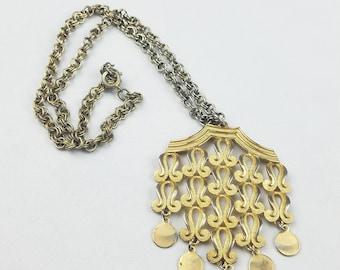 Vtg gold tone necklace orientate pendant chain