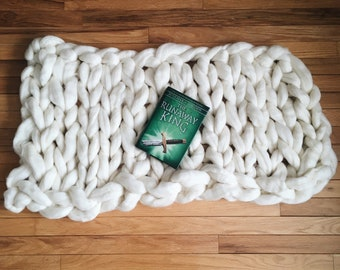 Chunky hand knit pure wool blanket/backdrop (D)