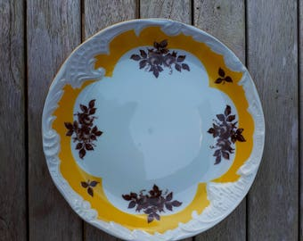 Cold War Plate, East German (GDR/DDR), PMP with Transfer and Moulded Decoration