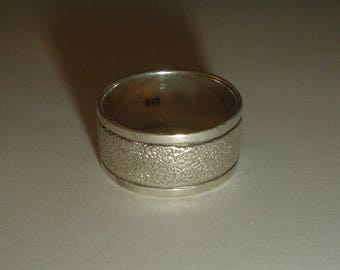 Silver ring band sterling wide textured wedding vintage size 7.5 UK P