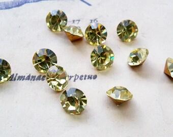12 Vintage Swarovskis, 1953, SS40, Austrian Crystals, Jonquil, Swarovski Crystal, Green Crystals, Jewelry Supplies, Crafting