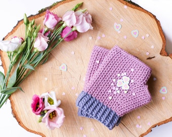 Line Up!  Mollie Mitts Crochet Pattern including fleece lining option.