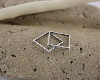 Square metal 18 mm closed ring