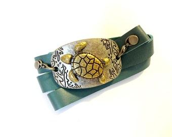 Sea Turtle Bracelet, Leather Wrap Bracelet, Blue Green Leather Wrap Bracelet, Cool Jewelry, Beach Bracelet, Turtle Gift, Sea Turtle Jewelry