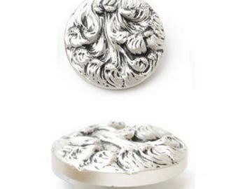 Large 38 mm silver metal button