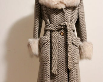 Vintage 1970s Woolen Bonwit Teller Woven and Fox Fur Coat with Buttons