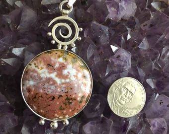 Sterling Silver Swirl and stone pendant
