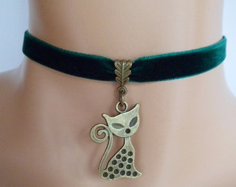 cat choker, green velvet choker, cat necklace