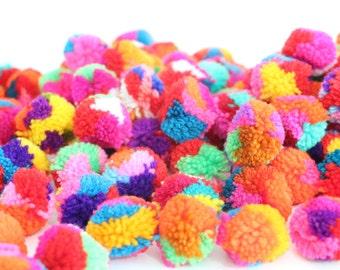 Colorful Handmade 50 Pieces Yarn Pom Poms Jewelry Making / Decoration Party